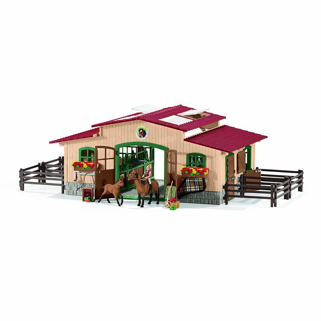 Centru echitatie - Grajd cu cai calareti si accesorii - figurine Schleich