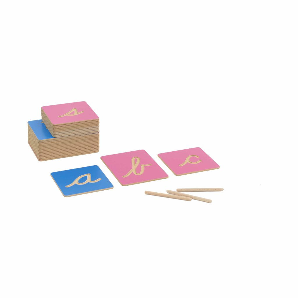 Hollow Letter Shapes: US Cursive-produs original Nienhuis Montessori-prin Didactopia by Evertoys